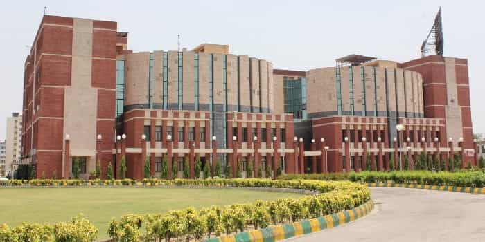 Amity University Greater Noida 2020 21 Admission Course Fee More