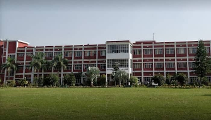 National Dental College & Hospital Derabassi