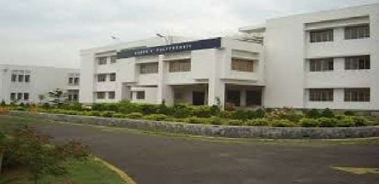 IIMT College of Engineering Greater Noida-min