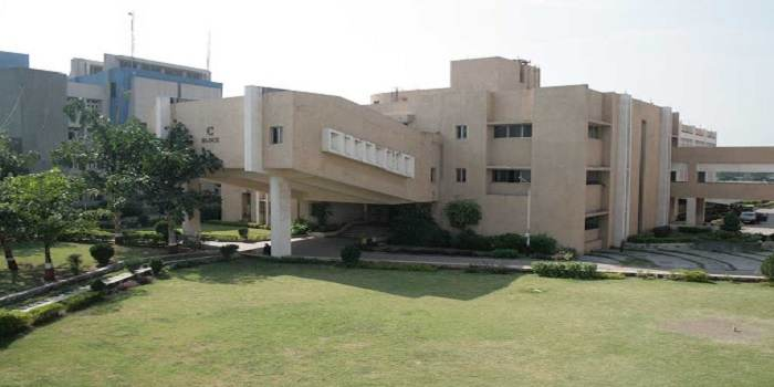 Surat Municipal Institute of Medical Education and Research Surat